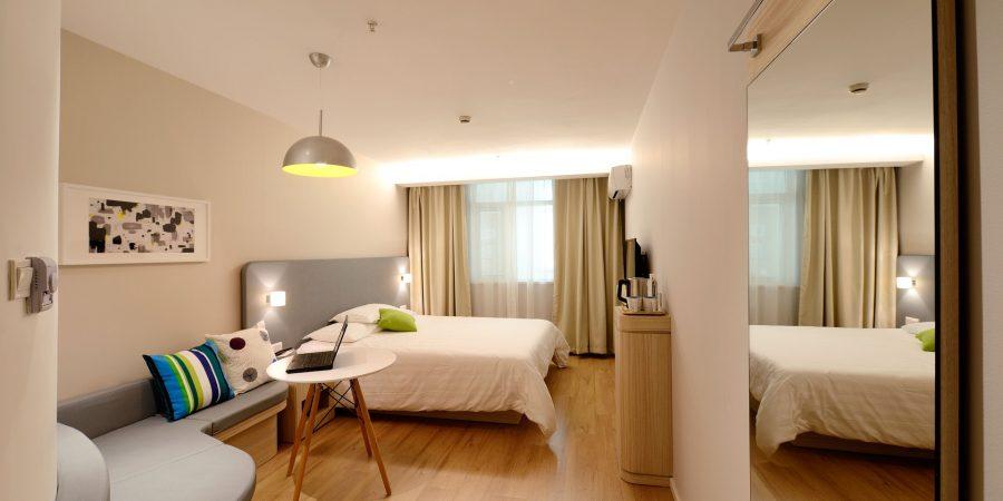 hotel-1330841_1920